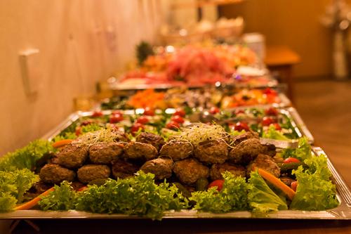 buffet auf geburtstagsfeier in hannover